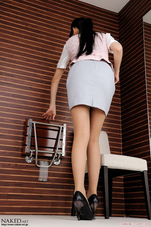 全程摄拍雪白美腿是怎样护理的