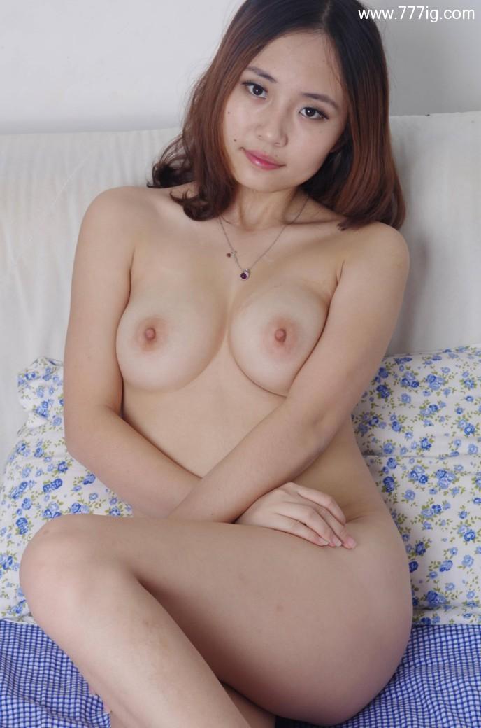 国模小宁-长身肉感妩媚靓模,床上为你尽情展示她的私密!