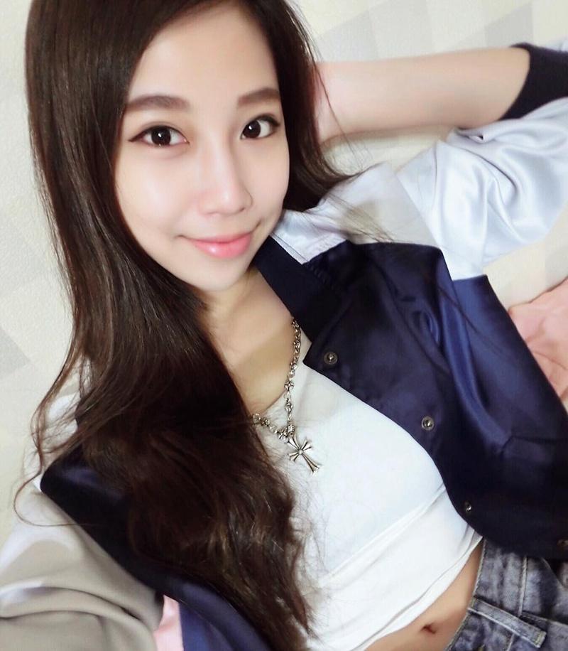 台湾正妹谢妃妃生活自拍照